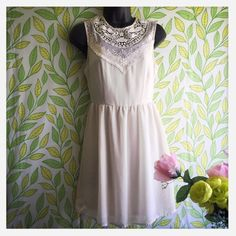 ‼️SALE PRICE‼️H&M Dress This sleeveless beautiful dress is an off white color with a very pretty embroidered pattern around the top area. It's only flaw is a bit of snagging on the fabric as shown in the last picture but it's not noticeable! Pair it with some chunky wooden heels for a simple summer look!☀️ H&M Dresses