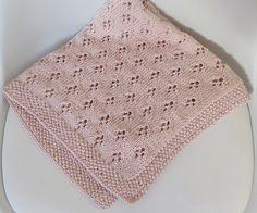 Free Pattern – Crochet Bobble Lines Baby Blanket Baby Bikini, Knitted Baby Blankets, Baby Girl Blankets, Crochet For Kids, Crochet Baby, Crochet Top, Crochet Bobble, Tricot Baby, Knitting Patterns