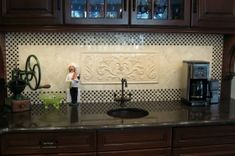 tile medallions for kitchen backsplash Pvc Cladding, Cladding Materials, Cladding Systems, Decorative Tile Backsplash, Stove Backsplash, Kitchen Design, Kitchen Ideas, Home Projects, Kitchen Cabinets