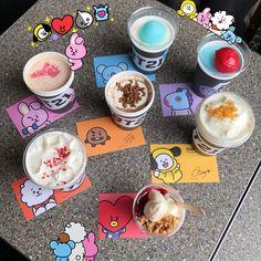 Yo quiero uno TT-TT Porque no vivo en Corea 😭😢 Cute Food, Yummy Food, Eat This, Kpop Merch, Line Friends, About Bts, Aesthetic Food, Kpop Aesthetic, Korean Food