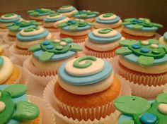 Sweet fondant turtle cupcakes for baby boy shower