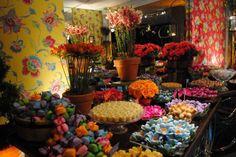 mesa de doces de casamento colorido