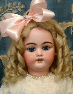 Simon and Halbig doll