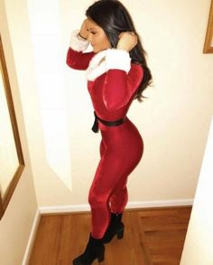 Who doesn't like sexy Santa? These Christmas girls are perfect hot Santa girls that will make your Christmas party and are too hot to handle. Work Christmas Party Ideas, Christmas Girls, Sexy Curves, Instagram Models, College Girls, Model Photos, Hottest Photos, Fit Women, Sweetie Belle