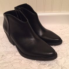 """Black Forever 21 Booties Brand New Forever 21 Black Booties. These have a side zipper and a 2"""" heel. Forever 21 Shoes Ankle Boots & Booties"""