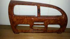 Consola central en madera