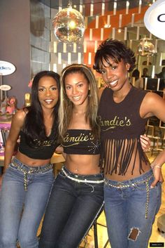 Destiny's Child New York City Hip Hop Fashion, 90s Fashion, Retro Fashion, Fasion, Fashion Outfits, 2000s Fashion Trends, Early 2000s Fashion, Beyonce Et Jay Z, Beyonce Knowles