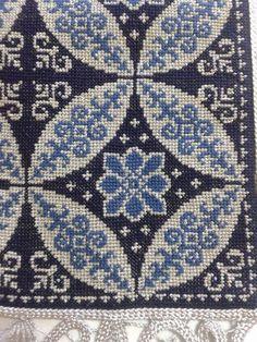 Embroidery Patterns Free, Beaded Embroidery, Cross Stitch Embroidery, Cross Stitch Patterns, Embroidery Designs, Blackwork, Celtic Cross Stitch, Cross Stitch Rose, Crochet Butterfly
