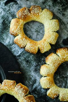 food photography and more...: Date Bread Rings: a taste of our childhood... خبز التمر: طعم من طفولتنا