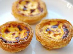 A Brief Introduction to Pastel De Nata, Portuguese Custard Tarts Portugese Custard Tarts, Portuguese Custard Tart Recipe, Portuguese Tarts, Portuguese Desserts, Portuguese Recipes, Portuguese Food, Custard Cups Recipe, Custard Filling, Russian Recipes