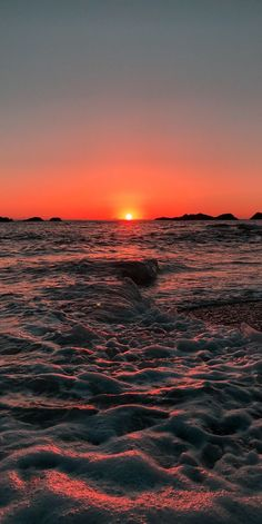 Beach sunset android wallpaper Beach sunset android wallpaper Do you love beautiful sunset in the beach? Then I hope you enjoy those beautiful wallpapers . Take time to have a