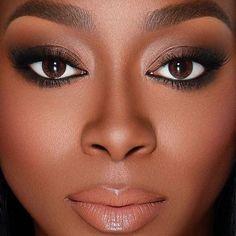 As melhores dicas de maquiagem para pele negra e mais várias inspirações de make. Pra você que AMA maquiagem, mas tem dúvidas de como acertar na make.