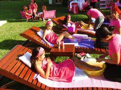 minipedicures y masajitos relajantes celebrandio entre amigas fiesta spaniñas