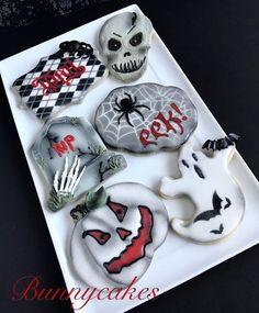 Scary Halloween Cookies, Halloween Cookies Decorated, Spooky Halloween, Halloween Treats, Decorated Cookies, Halloween Stuff, Halloween Party, Halloween Decorations, Ghost Cookies