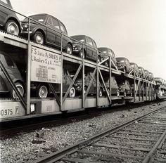 Carri trasporto auto fiat 500 by Ferrovie dello Stato Italiane, via Flickr