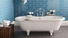 Metrotegel in de badkamer, vooral de blauwe kleur