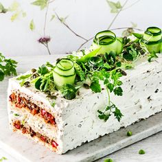 Savoury Baking, Vegan Baking, Savoury Cake, Cake Sandwich, Food Garnishes, Salty Cake, Food Platters, Wrap Sandwiches, Mets