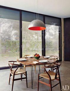 Hans J. Wegner Wishbone chairs + Heerenhuis table