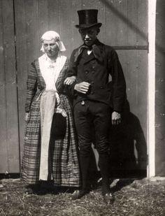 Bruiloften, huwelijk. Bruiloftsgasten van een Drentse boerenbruiloft, ook brulfte geheten. Nederland, 1921. #Drente