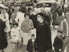 Turistas Enero 1962, Mar del Plata - Haynes Publishing Company Archive //Programa Archivos en Peligro - Biblioteca Británica // Endangered Archives Program -British Library