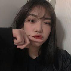 -ˏˋ 💋 ˊˎ- ➷ulzzang ღ girls➶ Pretty Korean Girls, Cute Korean Girl, Pretty Asian, Korean Aesthetic, Aesthetic Girl, Korean Photo, Chica Cool, Girl Korea, Ulzzang Korean Girl