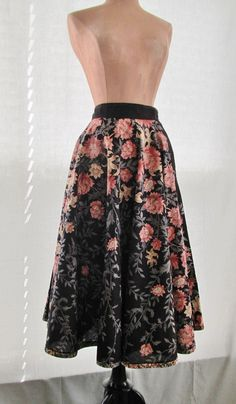 3645df4f1f89b Dark Botanical Print Circle Skirt Midi Boho by GabAboutVintage Fall  Fashions, Vintage Vanity, Botanical