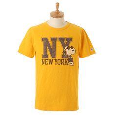 スヌーピーのヴィンテージ風ロゴワッペンで遊び心のあるTシャツに。【オンライン限定】Tシャツ
