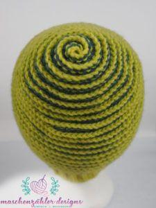 Crochet Pattern Spiral Hat Charybdis – Version 1 – the spiral from behind - Stricken Baby Sachen Spiral Crochet, Crochet Cap, Crochet Beanie, Crochet Gifts, Crochet Stitches, Knitted Hats, Crochet Patterns, Knitting Gauge, Twist Headband
