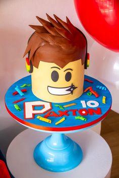 Roblox Birthday Cake, Roblox Cake, Twin Birthday Cakes, Roblox Gifts, Homemade Birthday Cakes, Star Wars Birthday, 7th Birthday, Birthday Parties, Cake Designs For Boy