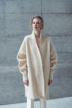 Oversized mohair knit coat with dolman sleeves and decorated collar. Superkid Mohair, Wool, Nylon Hand wash at max. Knitwear Fashion, Knit Fashion, Fashion 2017, Look Fashion, Winter Fashion, Fashion Outfits, Womens Fashion, Look Formal, Look Street Style