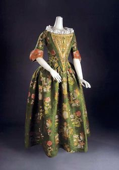 ca. 1680 (silk) Brocaded formal dress, probably Italian (location ?) From pinterest.com:krisalice:historical-fashion-1670-1690s: