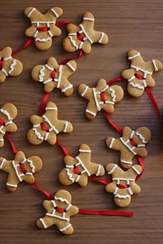 How to make gingerbread men garland {click link for FULL tutorial}