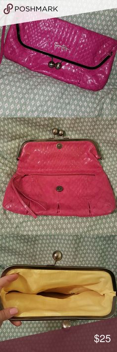 Pink cluth Gently used but still in excellent condition. No imperfections. Pop of color on the inside with zipper pocket on outside Jessica Simpson Bags Clutches & Wristlets