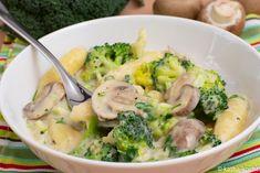 Du suchst ein leckeres Rezept für eine Schupfnudelpfanne? Dann probier doch mal meine Schupfnudeln in Pilz-Sahnesauce mit Brokkoli aus - schau vorbei!