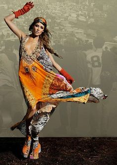 Oh my YES! awesome composition and dress. Hippie Style, Gypsy Style, Bohemian Style, Style Me, Hippie Chick, Hippie Bohemian, Boho Gypsy, Gypsy Hair, Hippie Elegante