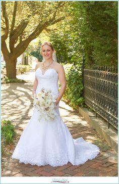 Historic Freemason bridal session, Downtown Norfolk, bridal photo shoot, photos before the wedding, bride, Norfolk, Fresh Look Photography