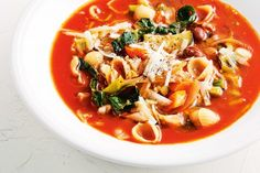 Minestrone soup - This easy, versatile, low-cal winter soup is the tastiest way to use up leftover ingredients from the pantry, fridge and crisper. Korean Bbq Recipe, Low Cal Dinner, 500 Calorie Dinners, Tuna Pasta Bake, Soup Recipes, Cooking Recipes, Pork Schnitzel, Cottage Pie, Winter Soups