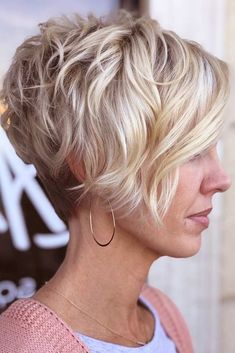 Pixie Hairstyles Don't Care About Your Hair Type Wavy Pixie For Thick hair - work for thin hair?Wavy Pixie For Thick hair - work for thin hair? Pixie Hairstyles, Older Women Hairstyles, Modern Hairstyles, Cool Hairstyles, Hairstyle Ideas, Hairstyles 2016, Teenage Hairstyles, Fashion Hairstyles, Scarf Hairstyles