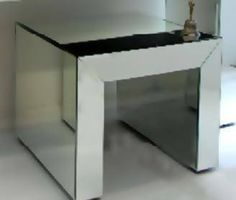 European Mirrored Lamp Table - Complete Pad ®