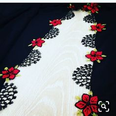 Asuman Karagöz's media content and analytics Crochet Borders, Filet Crochet, Crewel Embroidery, Embroidery Patterns, Modest Fashion Hijab, Needle Lace, Lace Making, Needlework, Diy And Crafts