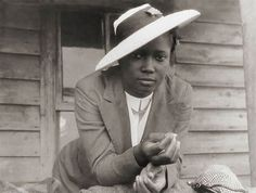 Classic Style: African American Young Lady. Despite the difficulties and inequality of the time, many vintage photo's of African American Blacks seem to always convey not only a sense of style, but inner strength and poise as well.
