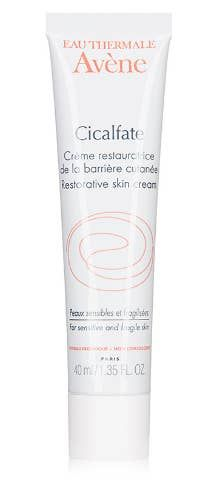 Avene Cicalfate Restorative Skin Cream, to restore fragile skin and nourish a hydrated complexion. Anti Aging, Serum For Dry Skin, Vaseline Beauty Tips, French Pharmacy, French Skincare, French Hair, French Beauty, Lip Conditioner, Best Serum