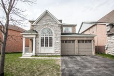 Welcome to lucky number 8 William Grant!!! This beautiful family home is situated on a premium 60' lot with east/west exposure! Features separate living and dining room, open concept kitchen with large eat in space and walk out to large deck and rear yard. #markham #Greensborough #RealEstate #LorynneCadman #Home #ForSale