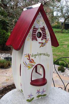 Fancy House Bird Feeder