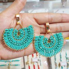 Brick Stitch Earrings, Seed Bead Earrings, Diy Earrings, Earrings Handmade, Handmade Jewelry, Jewelry Design Earrings, Bead Jewellery, Beaded Jewelry, Diy Jewelry Projects