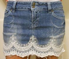Many a little makes a mickle or how to upcycle old clothes – ArtofitTaking a basic skirt to a whole new level Clothes Crafts, Sewing Clothes, Rifle Jeans, Ropa Shabby Chic, Jeans Refashion, Estilo Denim, Denim Ideas, Make Your Own Clothes, Denim Crafts