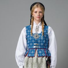 Picture of Blue Trønderbunad Folk Clothing, Historical Clothing, Historical Dress, Country Costumes, Norway Food, Norwegian Style, Bridal Crown, Folk Costume, People Dress