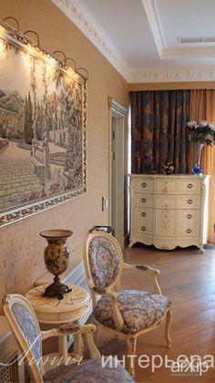 Гобелен в интерьере: интерьер, квартира, дом, спальня, 30 - 50 м2 #interiordesign #apartment #house #bedroom #dormitory #bedchamber #dorm #roost #30_50m2 arXip.com