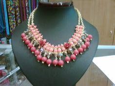 Collar de jade, cristales y rosas