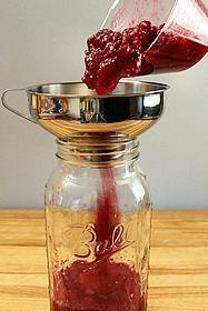 homemade cranberry liquer